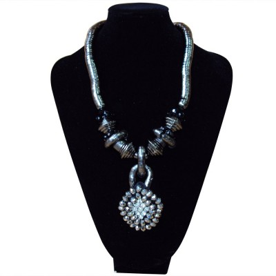 http://www.magasin-grossiste.com/1226-thickbox/collier-ethnique.jpg