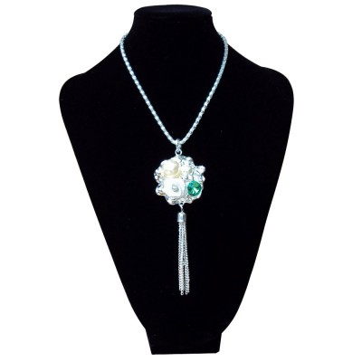 http://www.magasin-grossiste.com/1247-thickbox/collier-cristal.jpg
