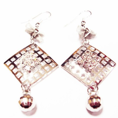 https://www.magasin-grossiste.com/2059-thickbox/boucles-d-oreilles-pendants-cristal-losange.jpg