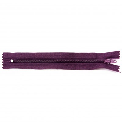 http://www.magasin-grossiste.com/2539-thickbox/10-fermetures-eclairs-nylon-en-15-18-20-cm-violet.jpg