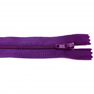http://www.magasin-grossiste.com/2592-thickbox/10-fermetures-eclairs-nylon-en-20-cm-violet.jpg