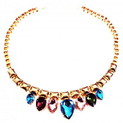 http://www.magasin-grossiste.com/3402-thickbox/collier-plastron-dore-a-joyaux-multicolores.jpg