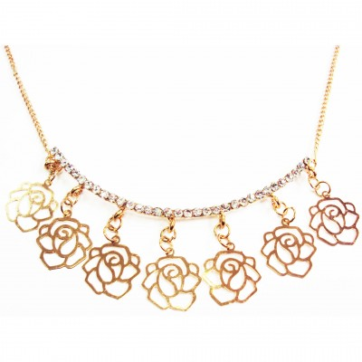 https://www.magasin-grossiste.com/3971-thickbox/collier-camelia-a-strass.jpg
