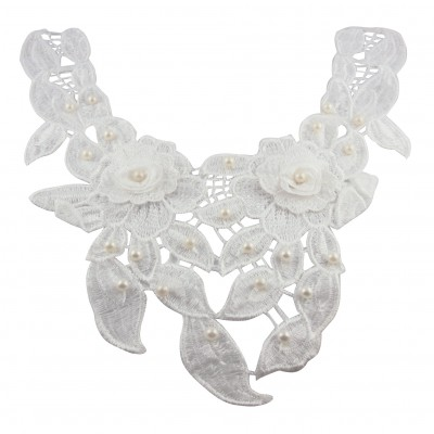 http://www.magasin-grossiste.com/5926-thickbox/col-floral-blanc-a-perles.jpg
