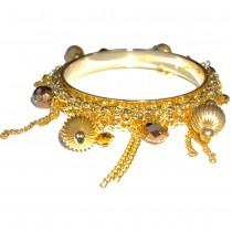 Bracelet métal doré à breloques